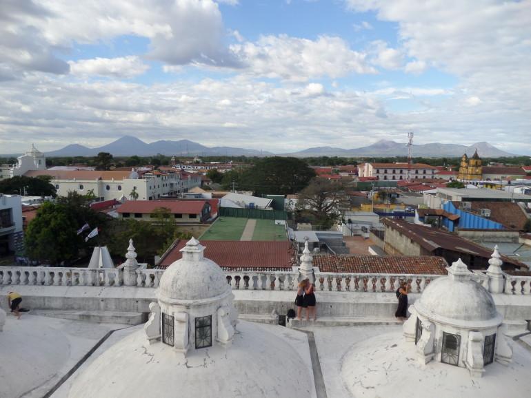 A főváros látképe a katedrális tetejéről