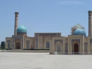 A mai napra – az utolsó napra – Tashkent maradt. Csodálkoztam, amikor a programot olvastam, hogy csak fél nap maradt a fővárosra. Most a program után azt kell m...